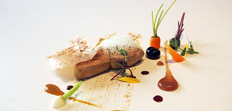 Foie gras marinado en cerveza y cúrcuma