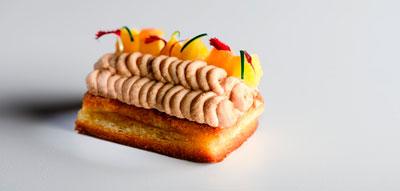 Bloc de foie gras de pato sobre brioche y manzana a la sidra