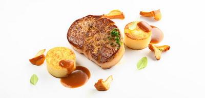 Foie gras asado con ñoquis a la romana y setas de invierno