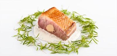 Magret de pato Martiko relleno de foie con salsa de trufa