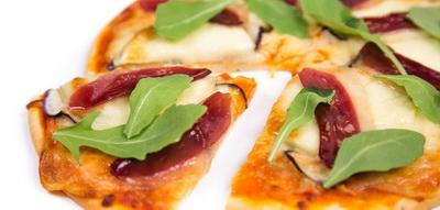 Pizza de jamón de pato