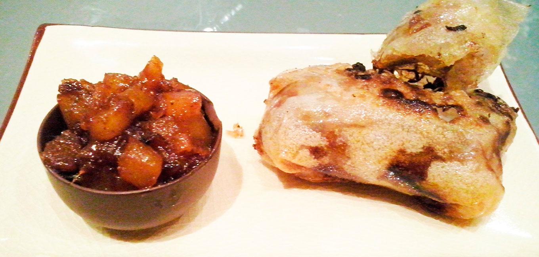 Rollitos orientales de pato con Chutney picante de piña