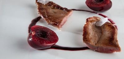 Solomillo de pato con salsa de cereza